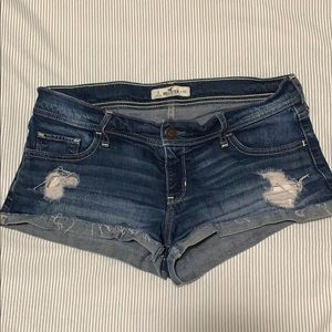 Hollister denim jean shorts size 9